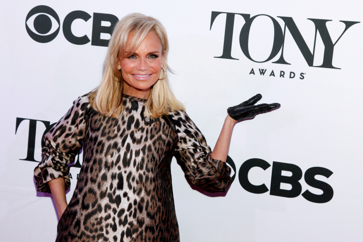 Kristin Chenoweth Promises 'Kookoo Bananas' as Tony Host