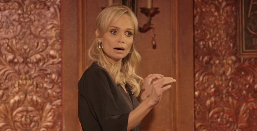 Kristin Chenoweth In Performance Live