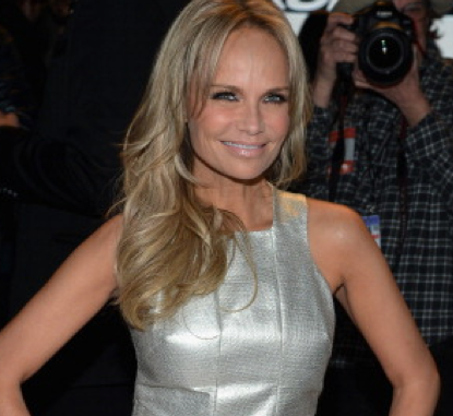 Kristin Chenoweth salutes 'The Dames of Broadway'