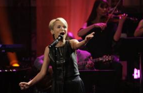 Kristin Chenoweth Kicks Off Mini-Tour Tonight in Lancaster!