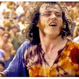 Joe Cocker delivers this unforgettable performance, just before a storm moves in…