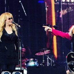 Fans Delirious As Stevie Nicks Joins Tom Petty On Stage