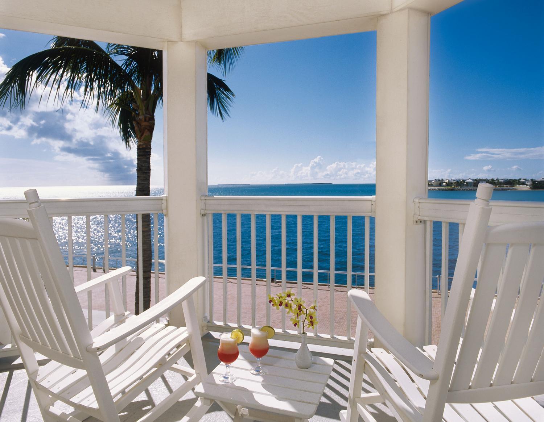 Margaritaville outdoor decor comfy home design for Margaritaville hotel decor