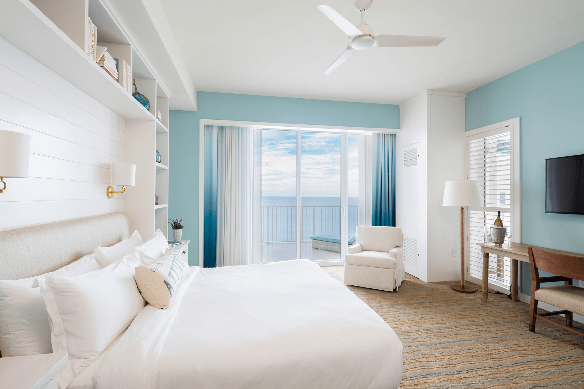Jimmy Buffett Suite bedroom
